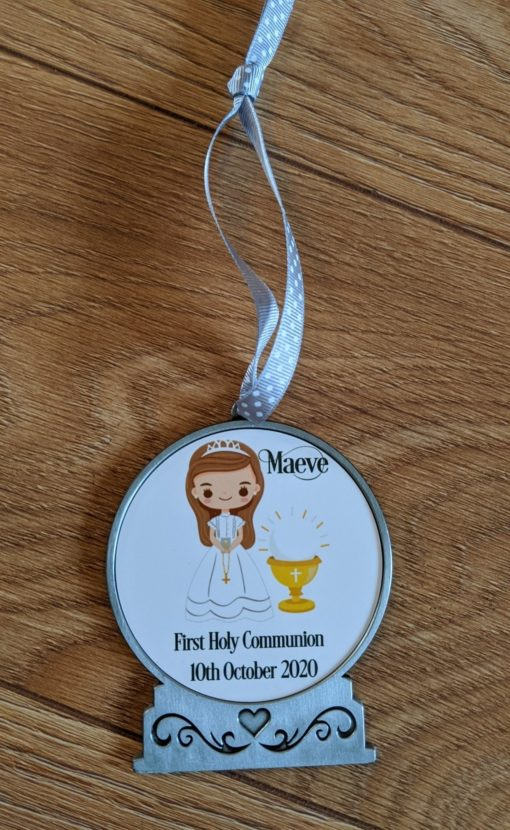 Communion keepsake personalised with a girl on it
